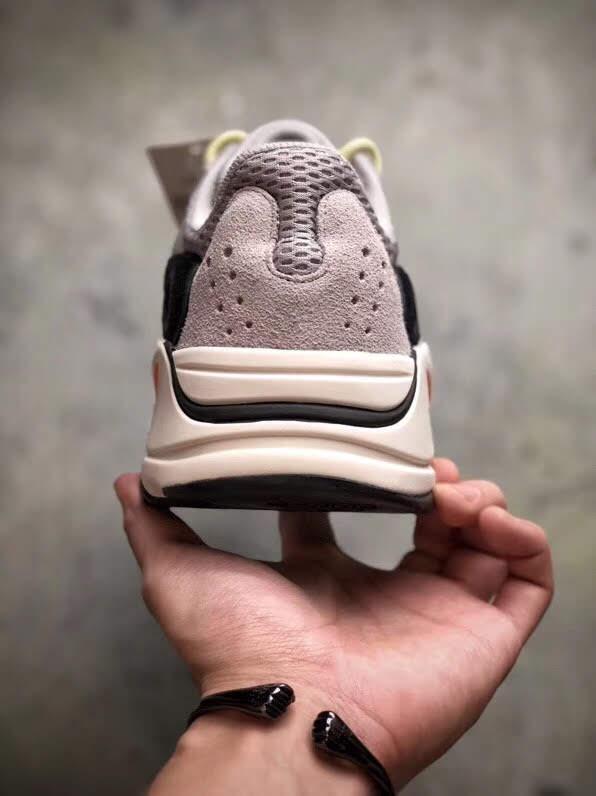 Gót giày Adidas Yeezy 700 OG Runner Wave