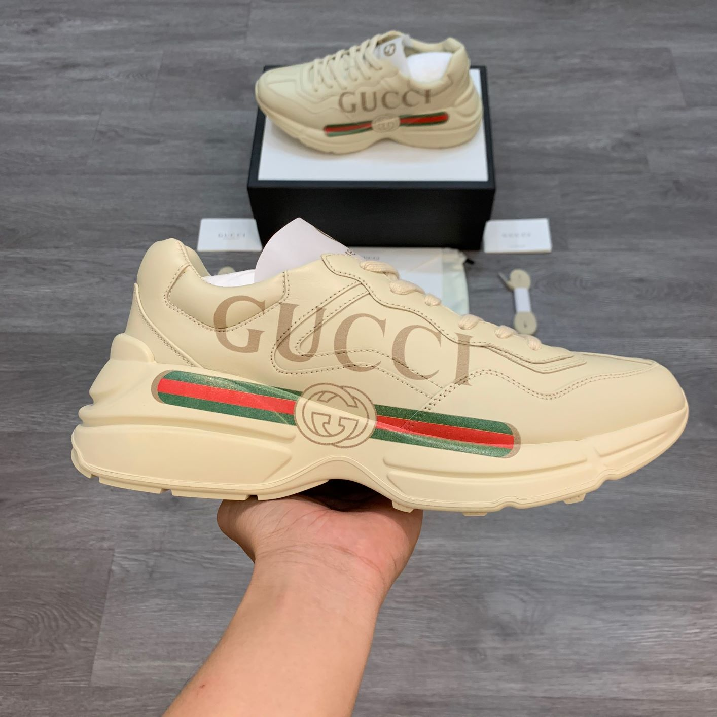 Gucci Rhyton Fake Logo