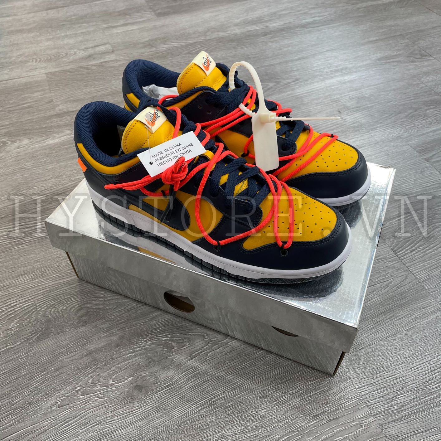 Giày Nike Dunk Low Offwhite Michigan
